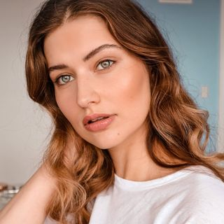 clean beauty influencer
